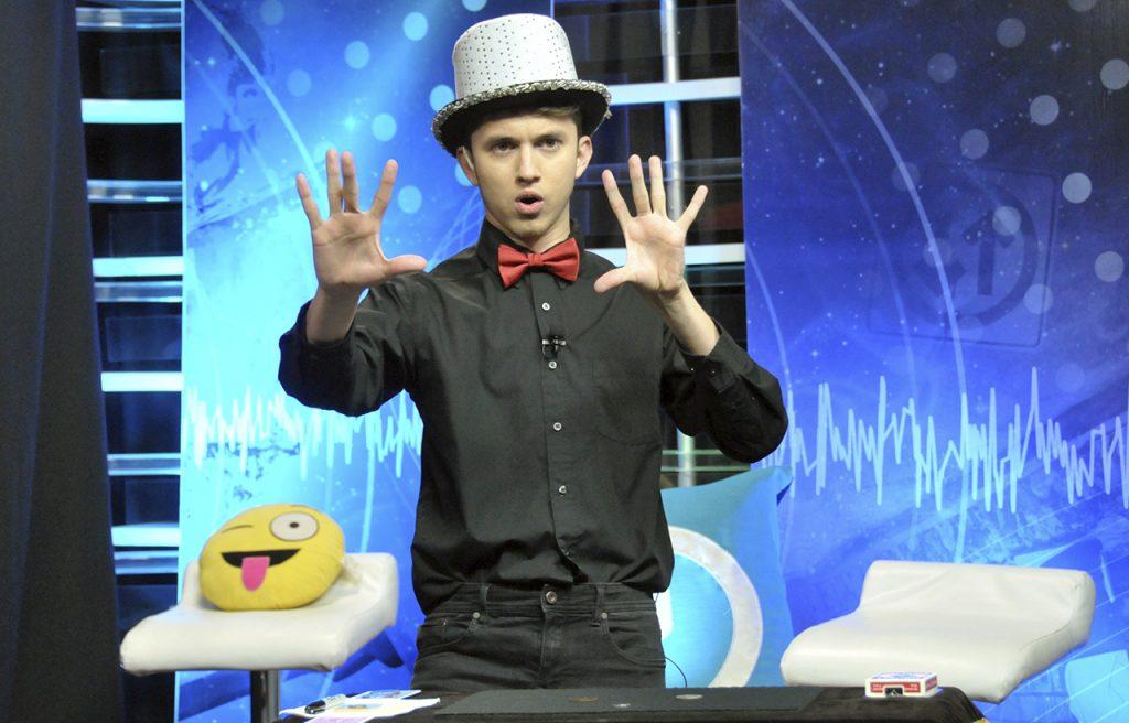 Josué Cover - Haciendo magia en vivo por televisión