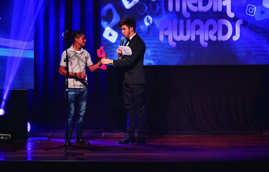 Josué Cover y Herminio (A YO) en los Viral Media Awards 2019